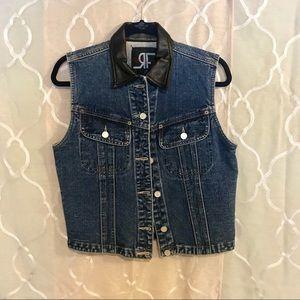 Jackets & Blazers - Vintage denim vest faux leather collar size M